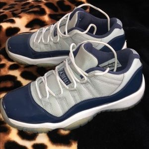 Jordan Retro 11 Lows-Georgetown